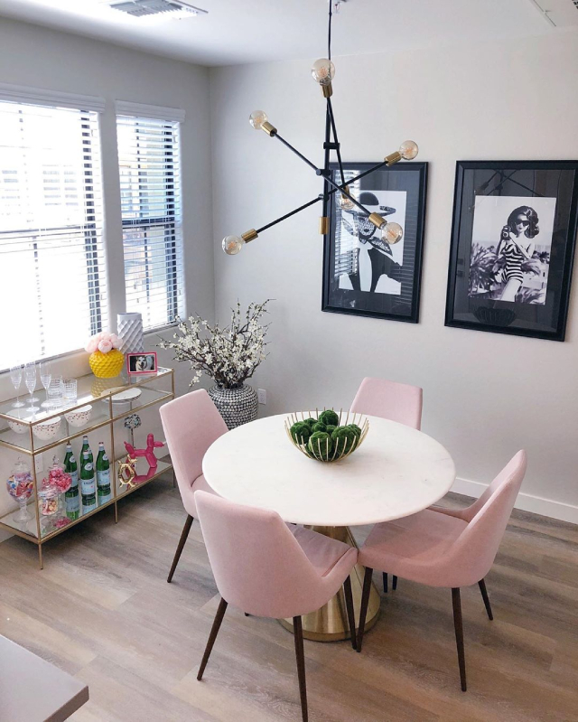 Pink home decor: accent chairs for the dinner room